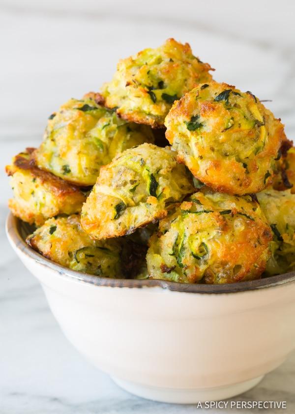 Healthy Baked Zucchini Tots #healthyrecipes #healthyfood #baked #zucchini #tots #healthysnack