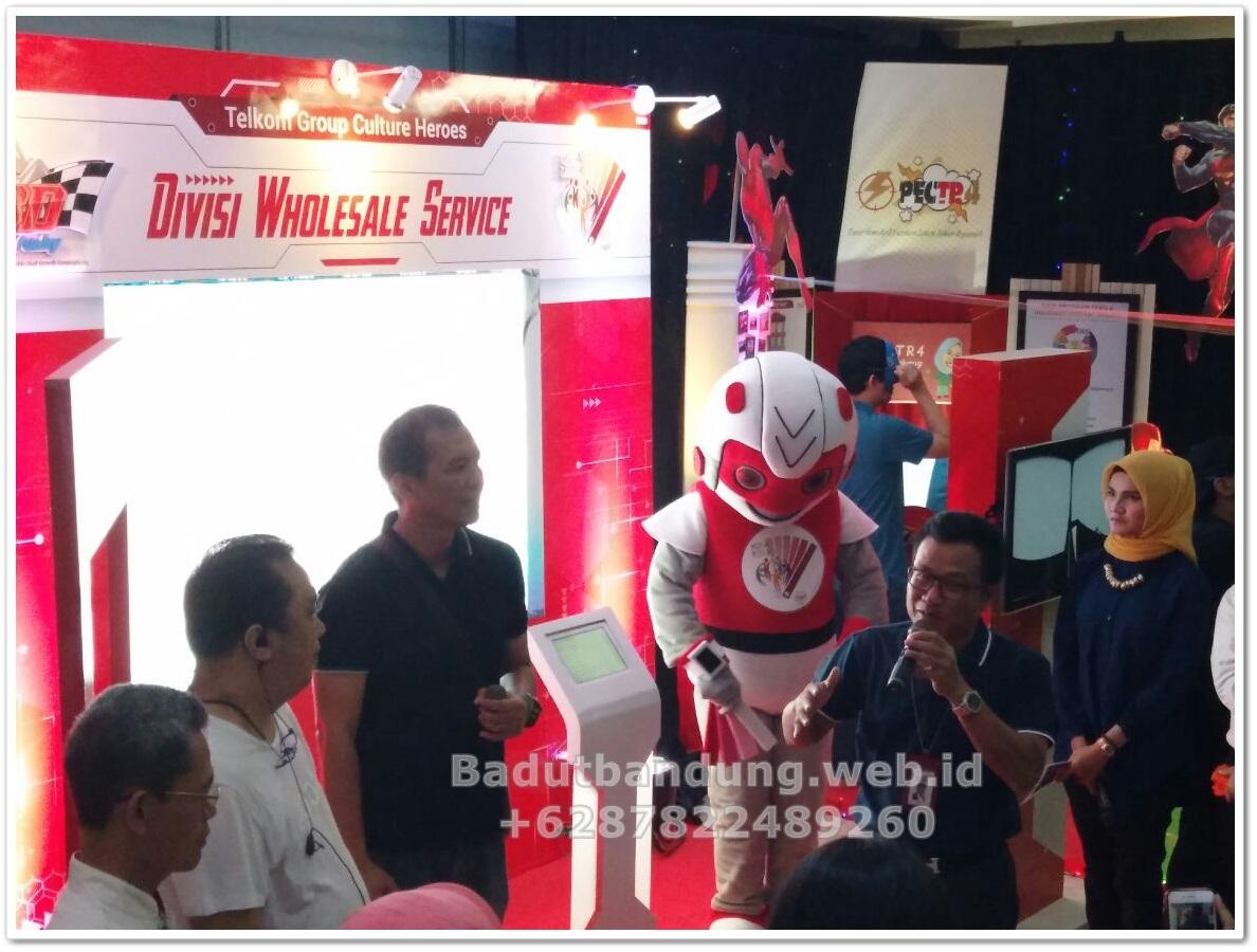 foto-event-kostum-badut-robot-maskot-bersama-client3