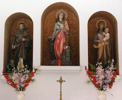 Santa Bárbara, San José y San Antonio Abad en La Barca