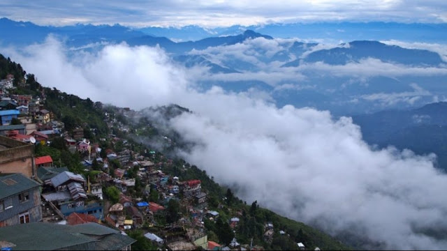 Darjeeling during cloudy summer