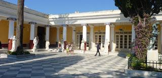 Fachada trasera del Palacio Archillion.