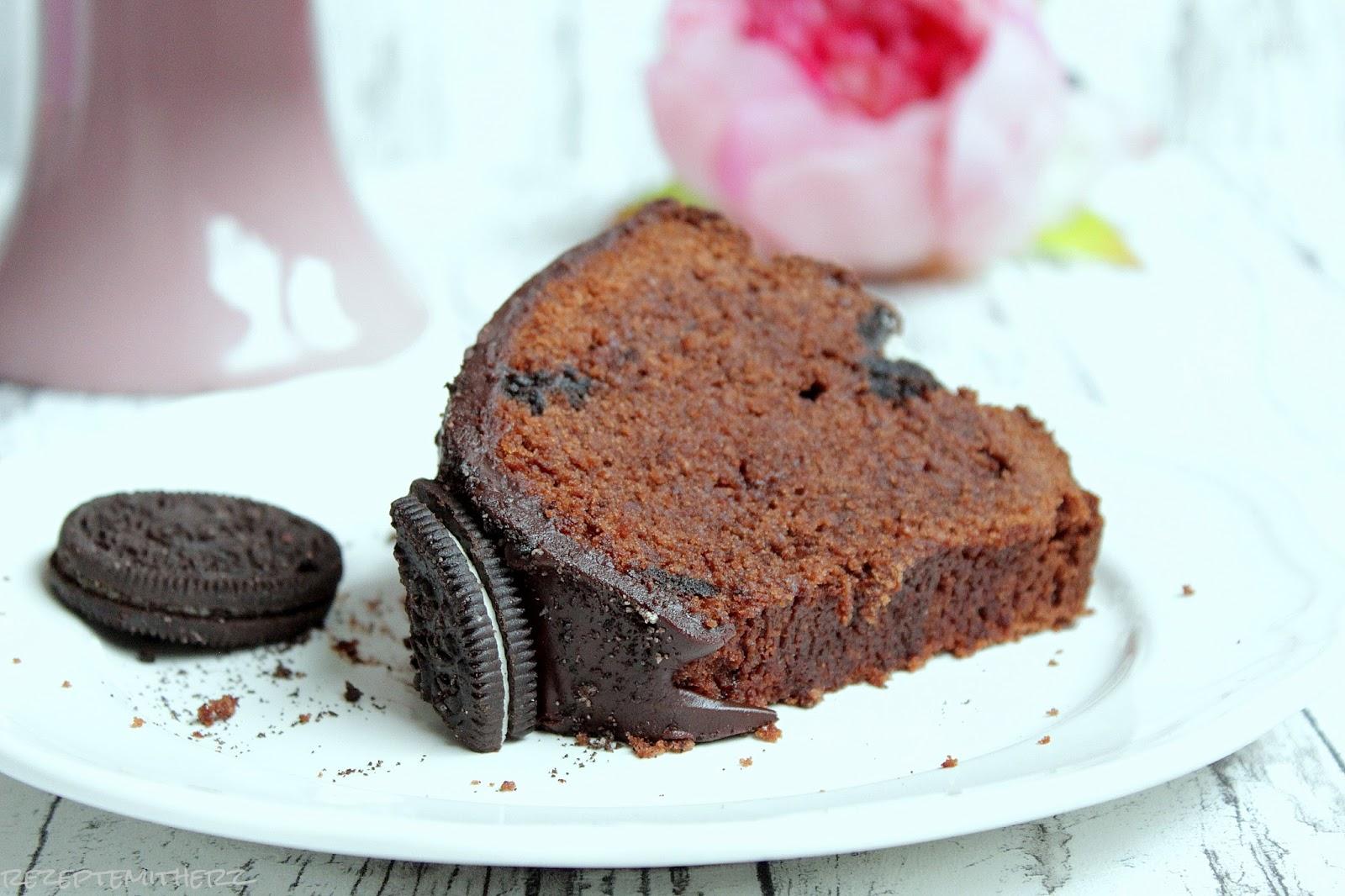 Pampered Chef Oreo Bundt Cake