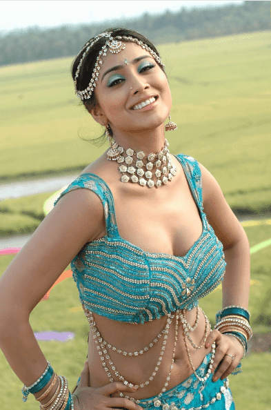 shriya saran hot images