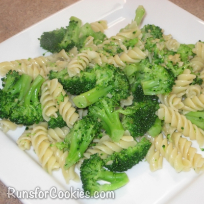 rotini with broccoli in garlic infused oil