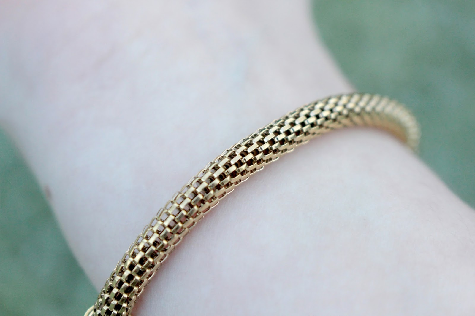 Calvin Klein Impulsive Gold Bracelet Review