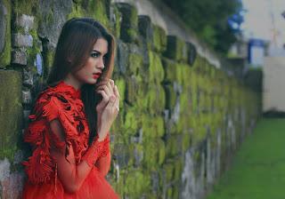 Hunting konsep foto model cantik igo Cinta Rarung model baju kebaya