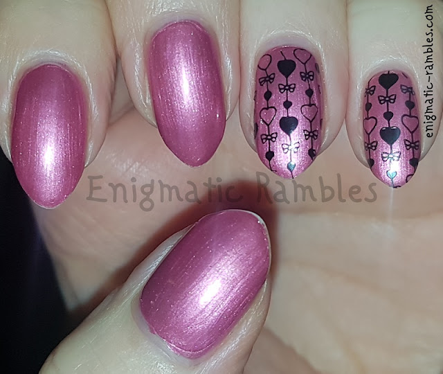 Valentines-Day-Heart-Stamped-Nails