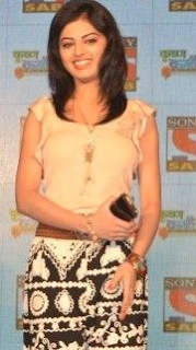 Roshni sahota age, in badtameez dil, instagram, images, wiki, biography