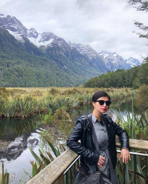 Angel Locsin Bonds With Her 'Little Fans' In Tanay Rizal