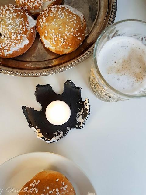 cappucino laskiaspulla pulla tuikku kahvi paulig