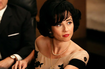 Sylvia Linda Cardellini Affaire Don Mad Men S06E01-02. The Doorway