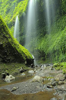 Air Terjun Madakaripura di probolinggo jawa timur