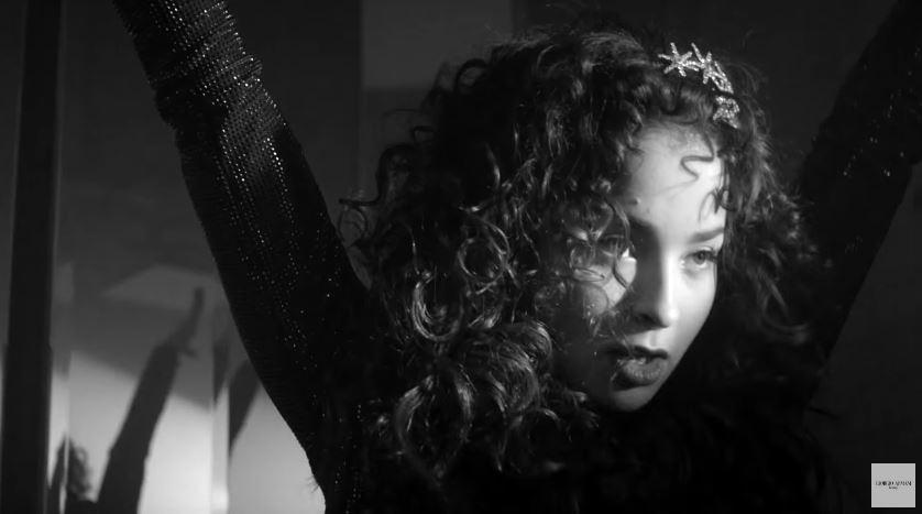 Modello e modella Emporio Armani pubblicità Diamonds con Foto - Testimonial Spot Pubblicitario Emporio Armani 2016