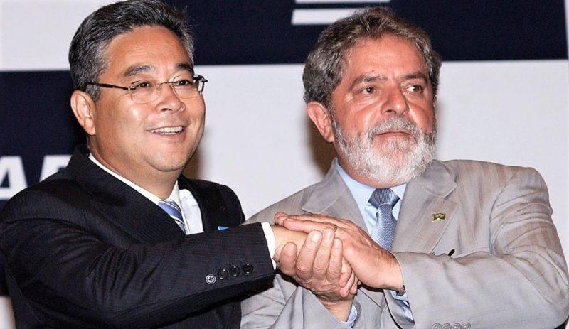 Justiça decreta bloqueio de bens de Lula avaliados em R$ 30 milhões