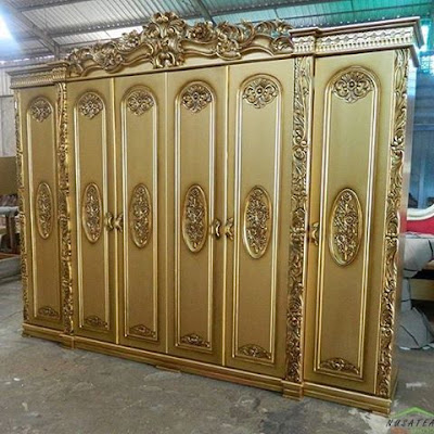 Mahogany Rococo Wardrobe in Antique Gold Nurjanna