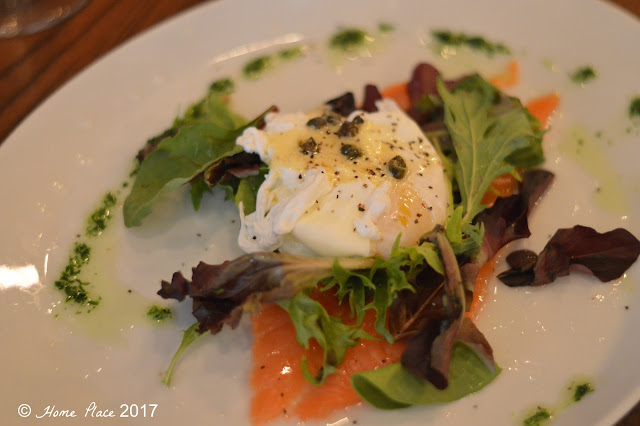 COTTO - SMOKED SALMON EGGS BENEDICT