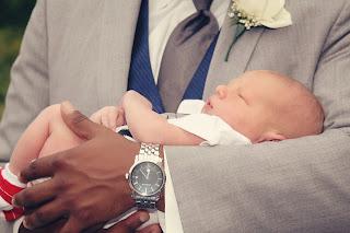 aebenarnya apa arti mimpi menggendong bayi