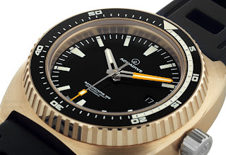 History of Bronze and watches article AQUADIVE+Bathyscaphe+BRONZE+Black+EDITION+02
