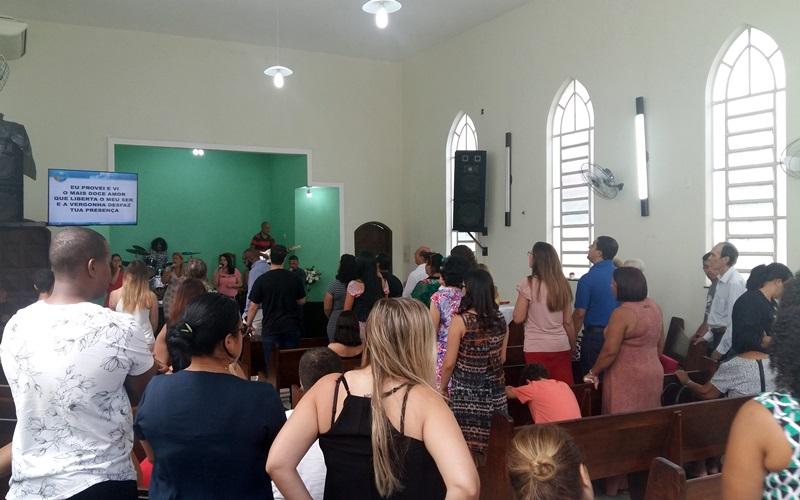 Momento de adoração e louvor da Igreja em Piedade comemorando os 87 anos do Movimento Promessista no Brasil