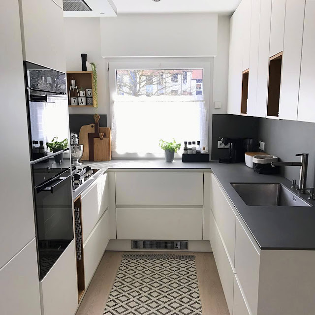 tapi lahan untuk dapur terbilang kecil  Inspirasi Dapur Modern