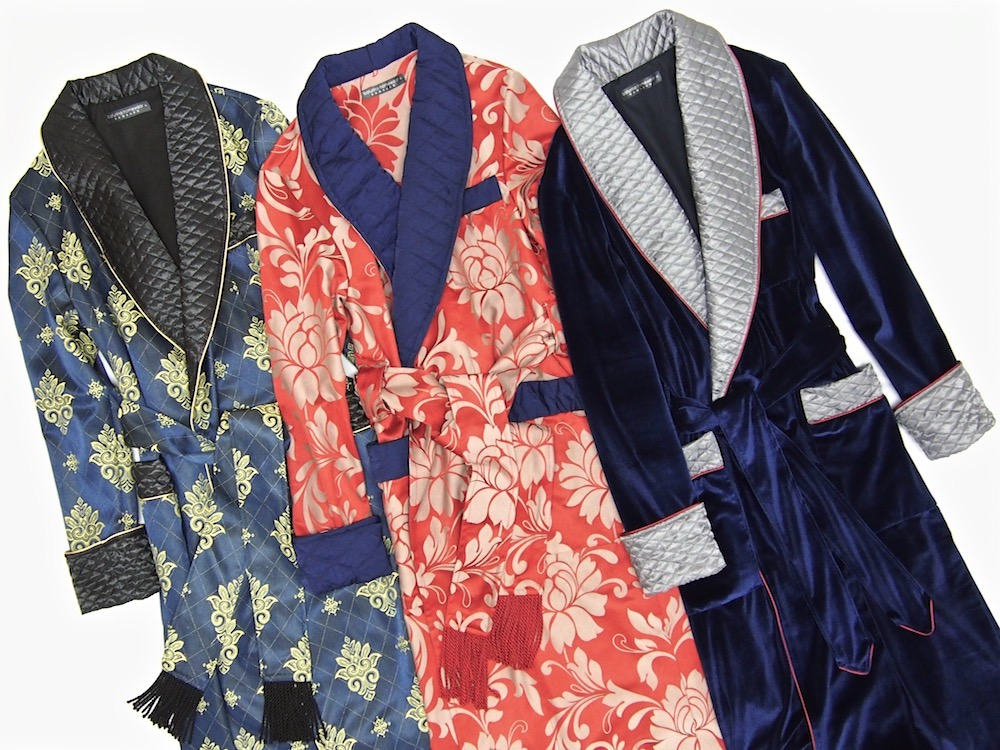 f6238eace14 Mens paisley silk robe velvet dressing gown quilted smoking jacket