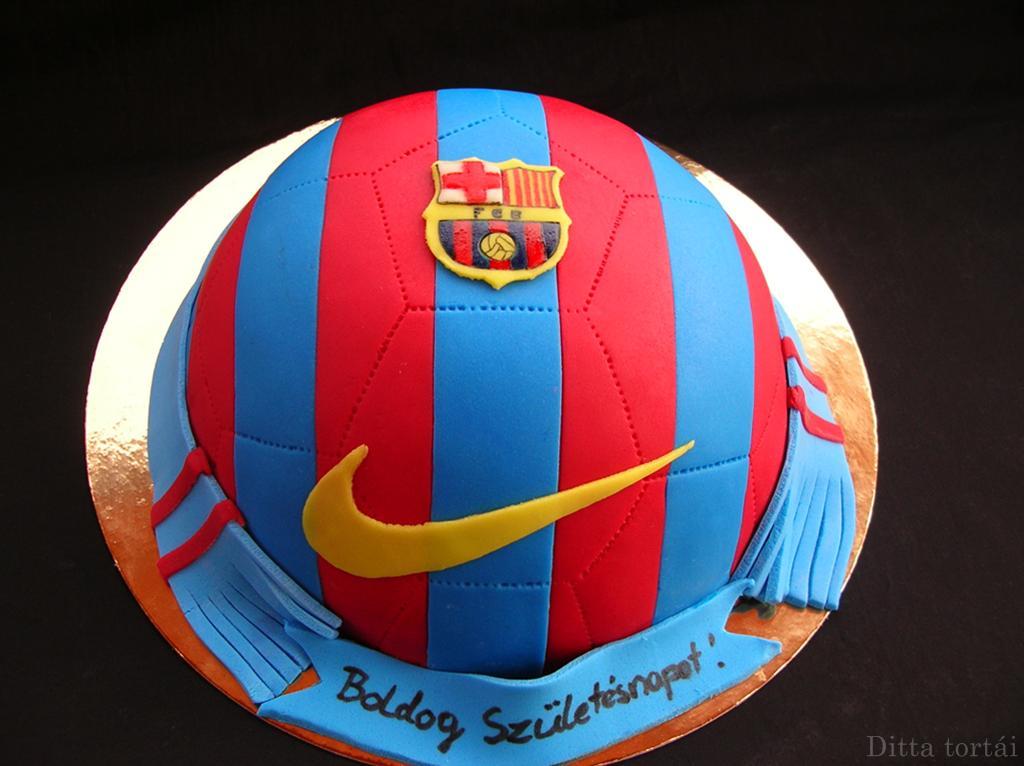 focilabda torta képek Barcelona és fekete fehér focilabda torta   GasztroBlogok.hu focilabda torta képek