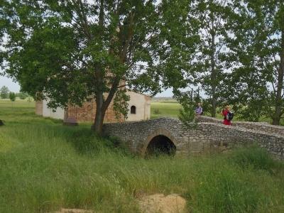 Camino, Jola Stępień, Meseta, Sahagun Ermita de la Virgen del Puente