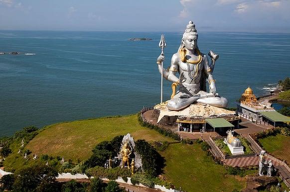www.yourtravel.ooo-Lord Shiva of Murudeshwar