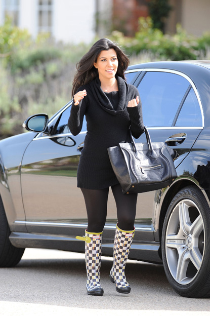 kourtney kardashian pregnant style 2012Kourtney Kardashian Pregnant Style 2012