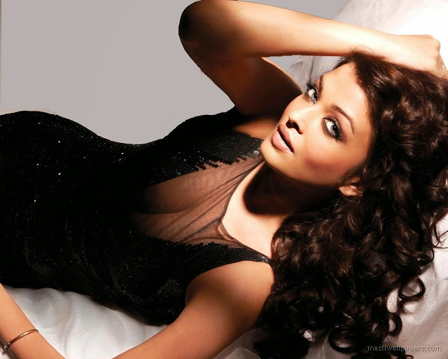 Indian Actress Hot Pictures Wallpapers