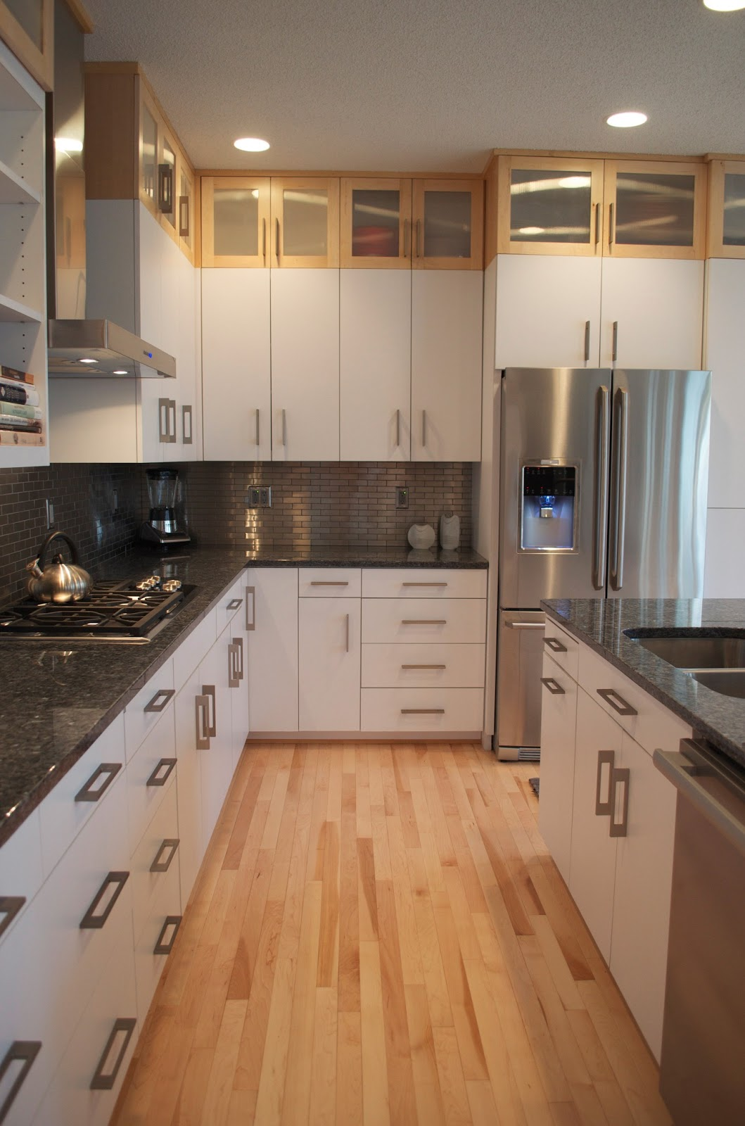 Color Me Lovely: Finished Kitchen! on Maple Cabinets White Countertops  id=36024