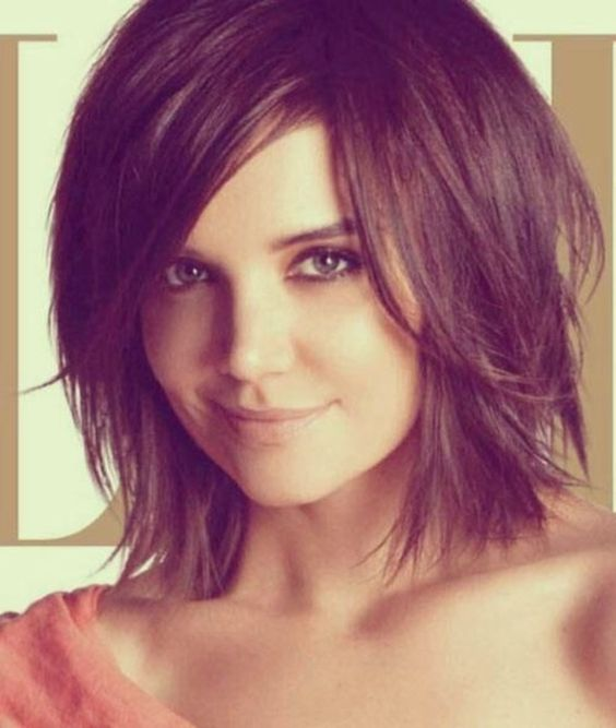 15 popular short hairstyles for round face shape side bangs
