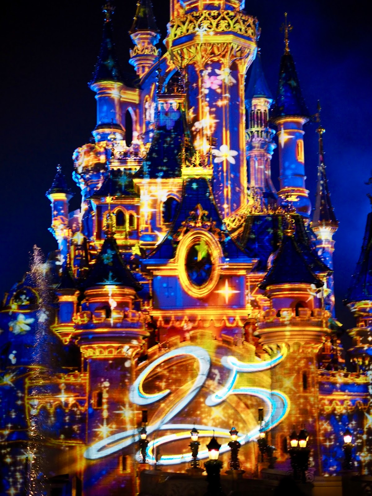 Disneyland Paris projections