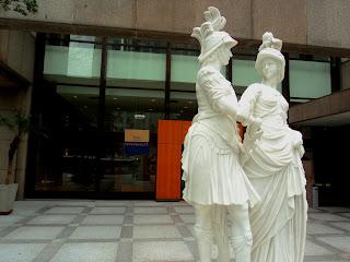 Esculturas em Frente ao Itaú Personalité
