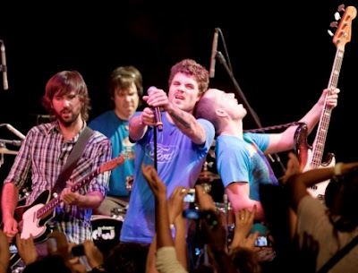 Foto de El Canto del Loco en el escenario