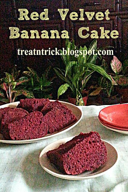 Red Velvet Banana Cake Recipe @ treatntrick.blogspot.com