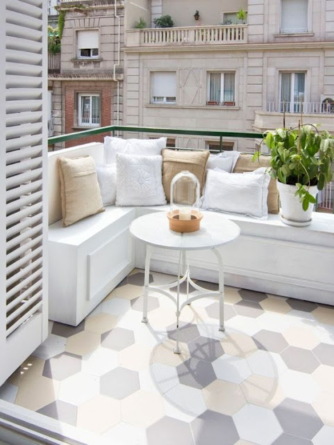 Iga Berry Balcony Interior Design 60 30 10 rule
