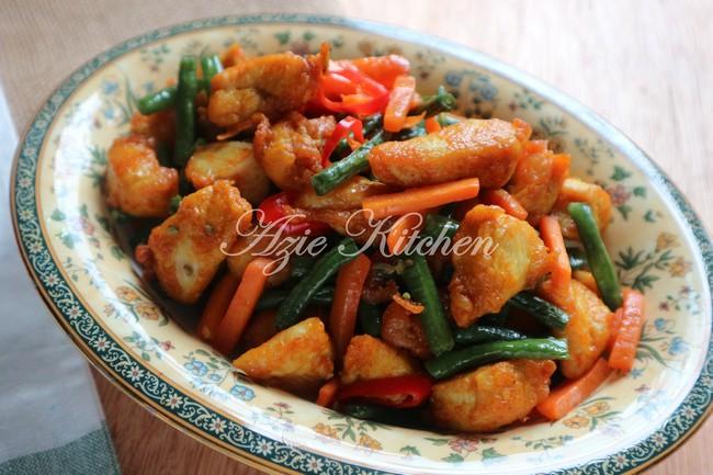 Nasi Ayam Goreng Kunyit Mudah Dan Sedap Azie Kitchen