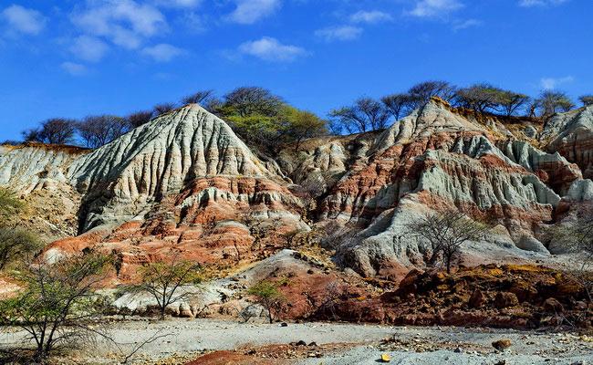 Xvlor.com Kelebba Maja is ornate gradation-colored cliff to worship the Madja god