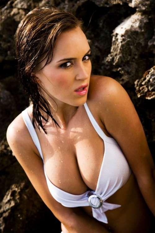 Radio pr: Bollywood Actress in Bikini hd wallpapers   Sexy