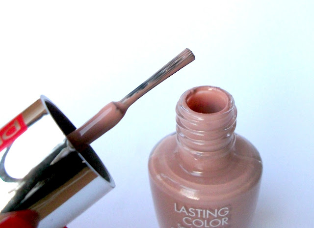 Pupa Lasting Color Glossy Nail Polish in 223 Pale Pink, review and swatches