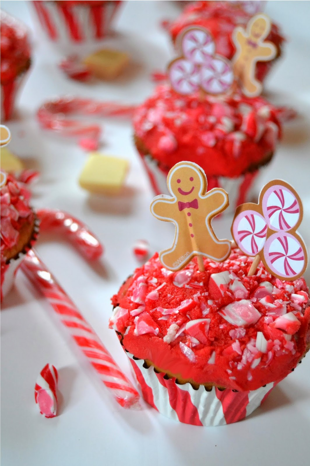 White Chocolate Cupcakes with Salted Peppermint Frosting