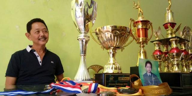 Piala yang pernah diraih Kevin Sanjaya.