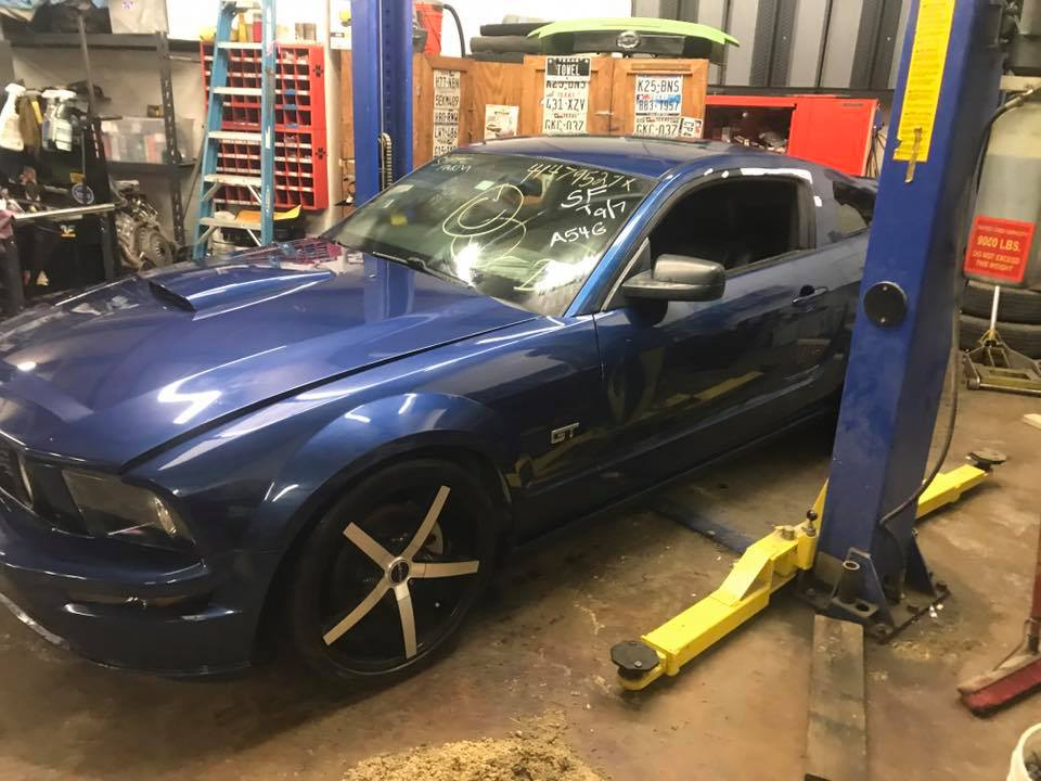 Whiteboy's Mustangs: 2007 mustang gt saleen supercharged Parts car