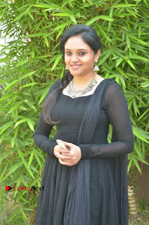 Actress Kala Kalyani Stills in Black Salwar Kameez at Engeyum Naan Iruppen Audio Launch  0009.jpg