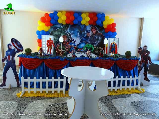 Festa infantil com o tema Os Vingadores - Decoração tradicional luxo