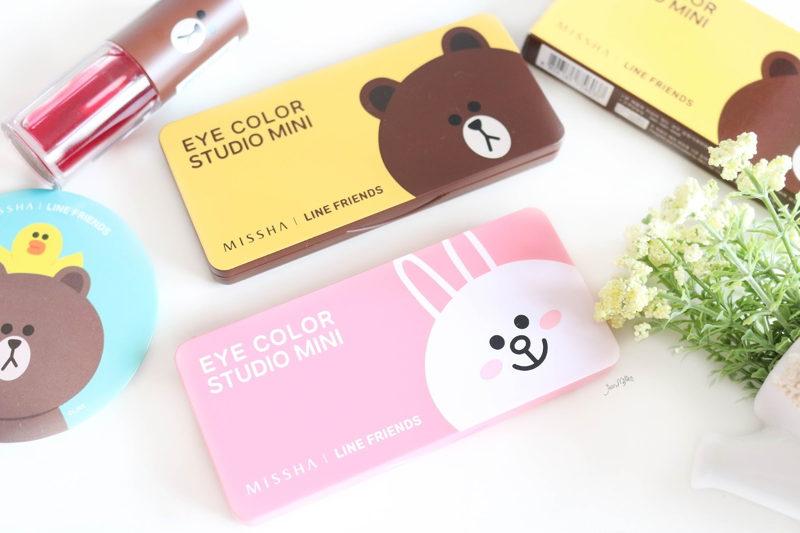 missha, line, misshaxline, missha x line, line friends, line brown, line cony, brown browny eyeshadow, cony pink eyeshadow, review, swatch, line friends