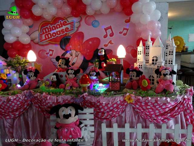 Decoração da Minnie Rosa para festa de aniversário infantil - Mesa temática de tecido