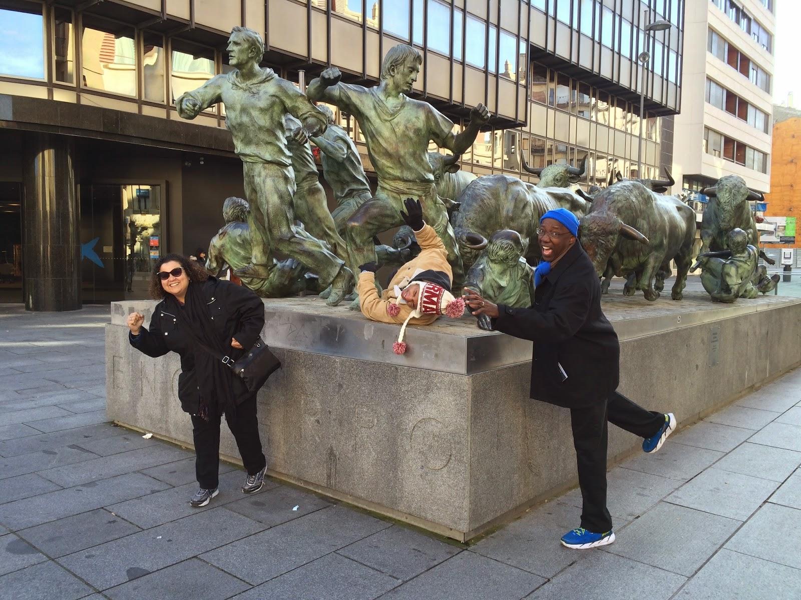 Encierro statue