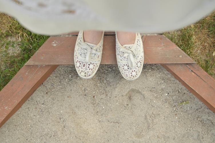 georgiana quaint, topshop lace dress, seashell pendant necklace, ootd, outfit topshop, f&f lace shoes, f&f belt